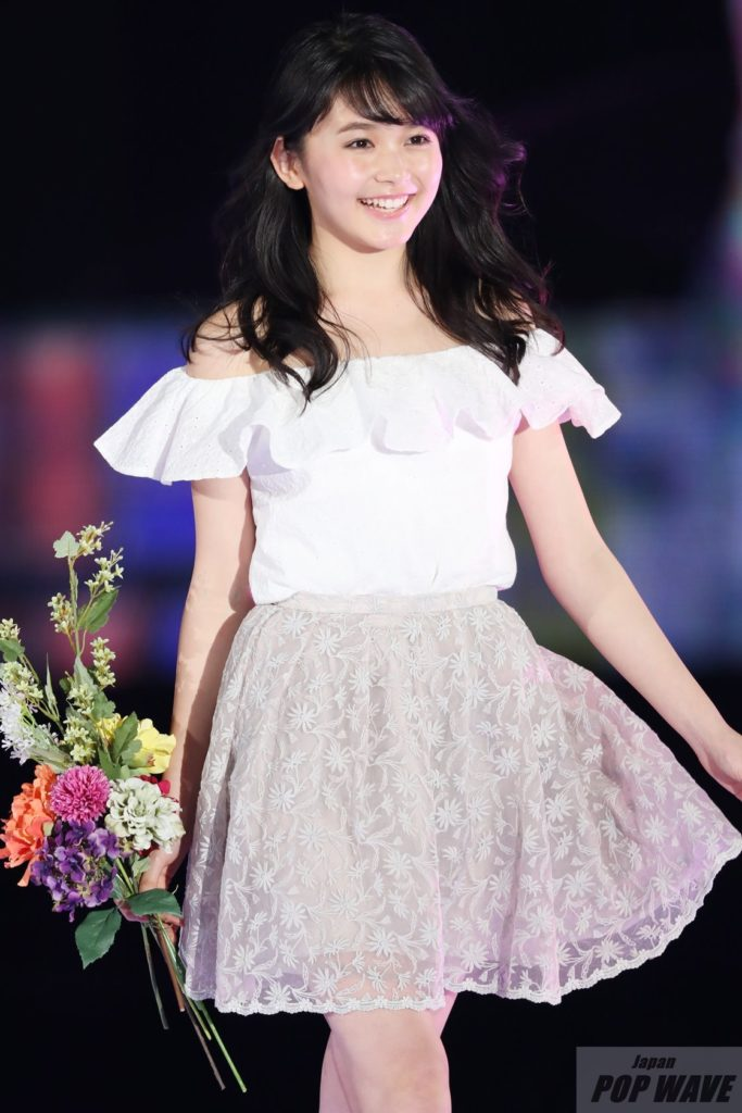 久間田琳加がガルアワ初ランウェイで『天使のスマイル』【GirlsAward 2017 S/S】