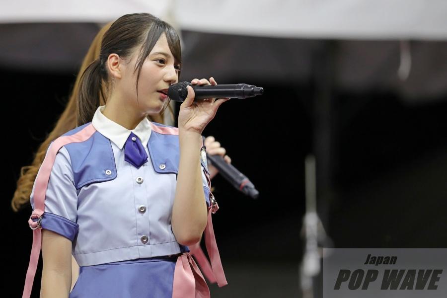 日向坂46が新曲「ドレミソラシド」「キツネ」を含む計5曲披露。夜のSMILE GARDENを空色に染めあげる