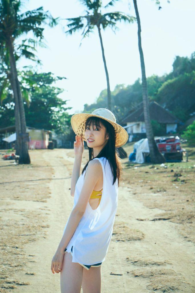 ブレイク間違いなし! 若手最注目女優・高橋ひかるがファースト写真集を発売!!「大切なものが詰まった一冊になりました」