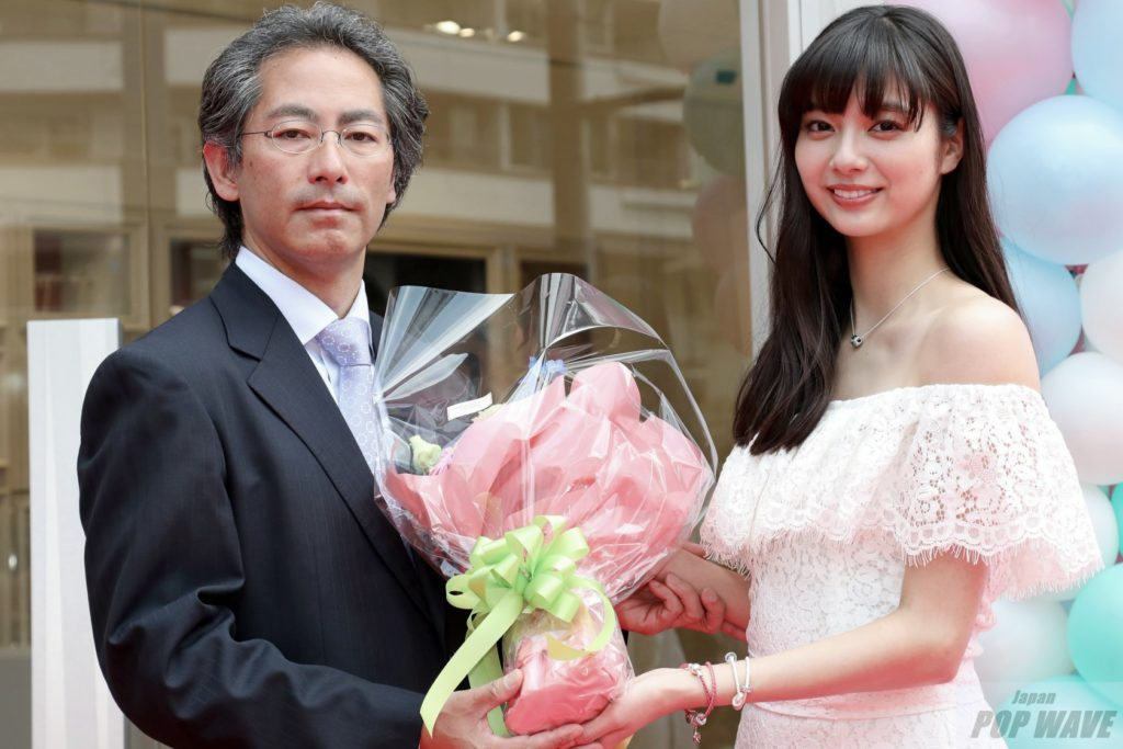 新川優愛「彼氏ができないのは筧美和子に会いすぎているから、私の癒し」と告白。PANDORA表参道店1周年記念イベント