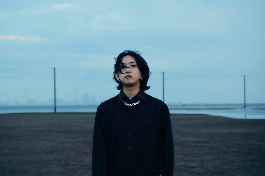 森七菜 YOASOBIのコンポーザーとしても活動するAyaseを迎えた新曲「深海」配信リリース、生配信イベントの開催が決定!